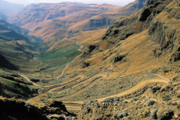 Day 2: Drakensberg loop to Underberg and Sani Pass